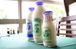 ブレックファーストゥッ 牛乳